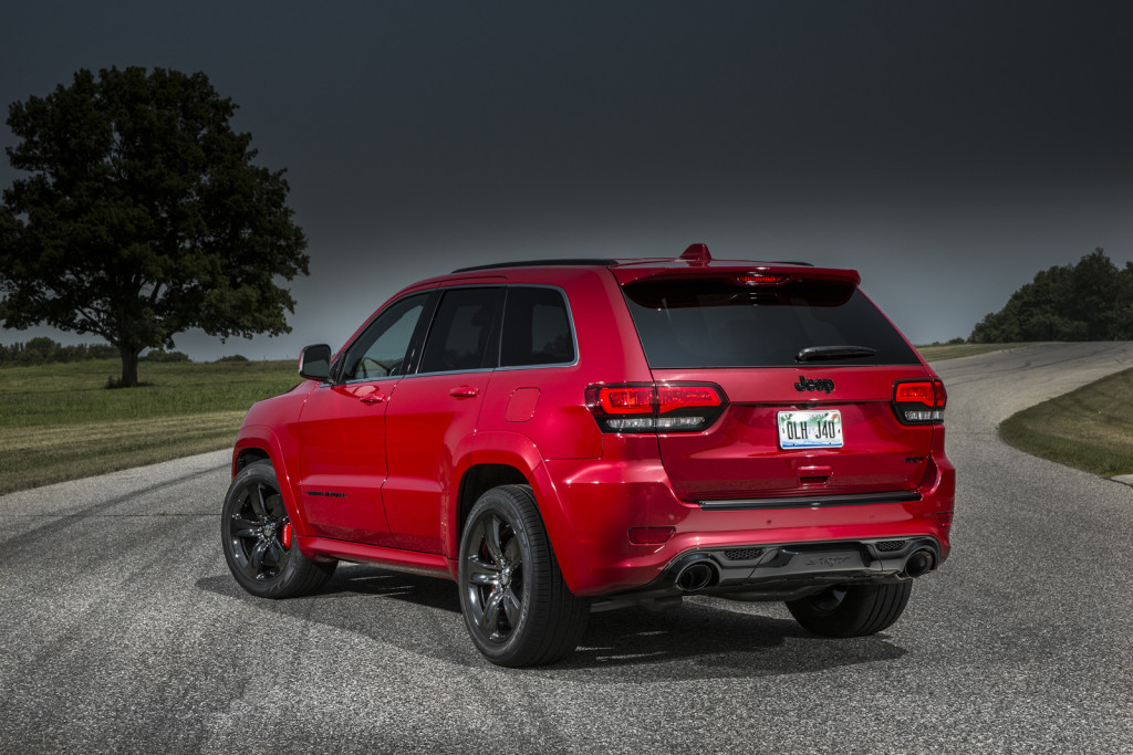 2015-Jeep-Grand-Cherokee-SRT-7